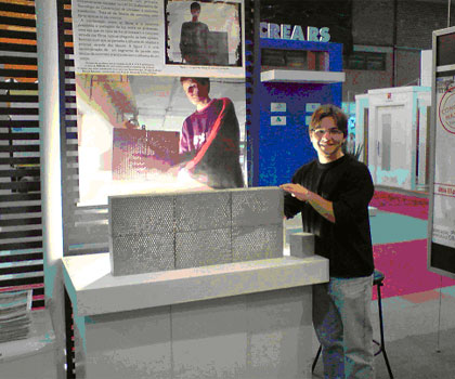 Bloco de concreto translúcido da Univates: resistência igual ao do concreto comum, mas com luminosidade