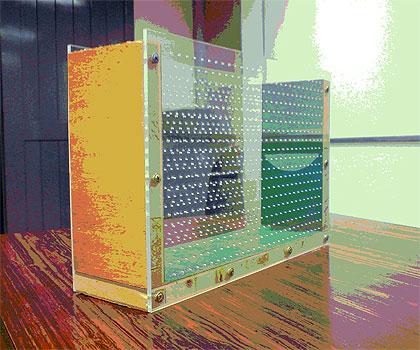 Fôrma usada para a fabricação do bloco de concreto translúcido: fibra óptica com concreto autoadensável