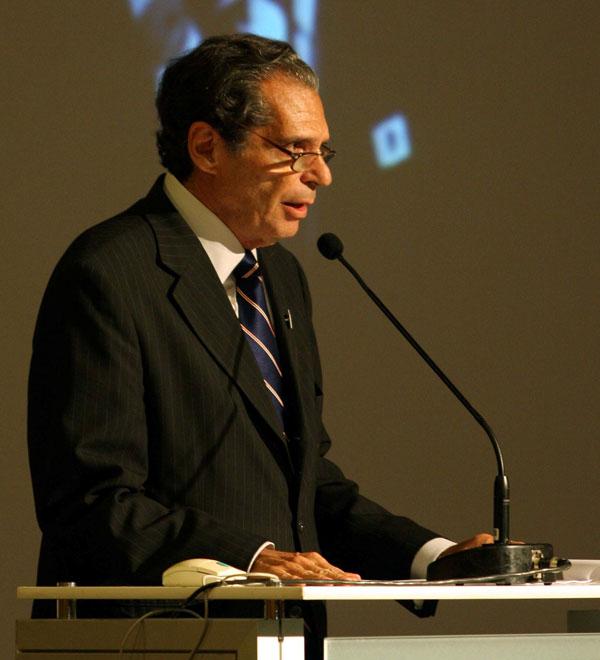 """Roberto Kauffmann, presidente do Sinduscon-RJ: """"O Sinduscon-RJ espera que os projetos tenham prazos certos e não esbarrem nos licenciamentos municipais, estaduais e federais."""""""