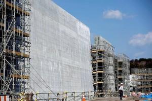 Paredão em construção na cidade Iwate, no Japão: estruturas de concreto pré-moldado atingem até 15 metros de altura Crédito: Reuters