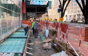 Construção precisa prevenir transtornos contra a vizinhança e proteger quem trafega próximo da obra Crédito: Banco de Imagens
